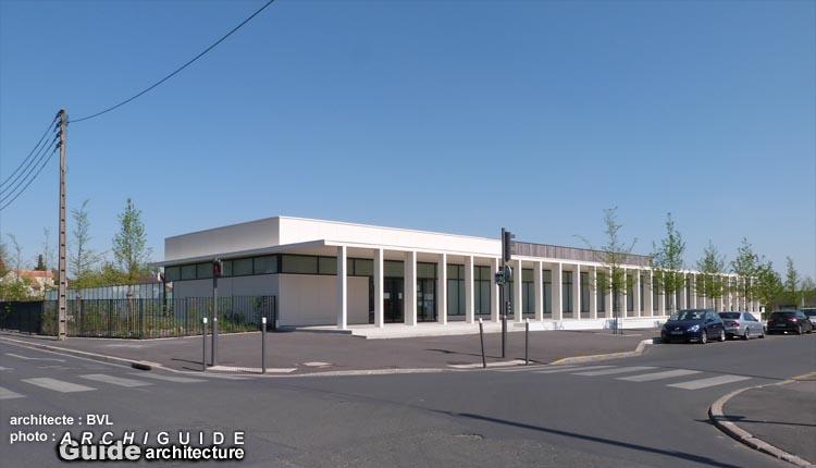 Bvl architecture arnaud bouet jean pierre vidal patrick for Piscine houilles